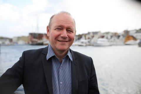 Jan Henrik Nygård, styreleiar i Kystvegen Bergen Ålesund meiner at fordelane ved Terøy-alternativet ikkje kjem opp i debatten når det blir diskutert traséval for kystvegen.