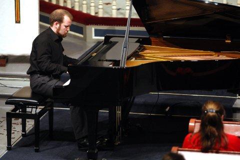 SATSAR: Andreas Taklo har fullført sin master i utøvande musikk.