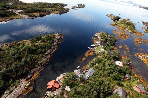 TILBAKE TIL FOLKET? Raudt vil sikre allemannsretten i den norske strandsona ved å tidoble summen som staten kan kjøpe tilbake strandsone-eigedom for.