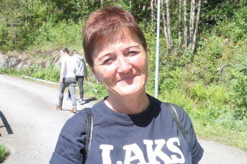 Anne Karin Vassbotten dirigerer troppene under Open Dag på Steinvik Fiskefarm. Eit halvt år i førevegen startar ho planlegginga av stort og smått.