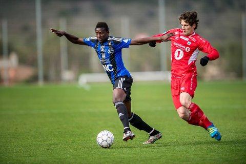 """DEBUTERTE: Allioune """"Badou"""" Ndour fekk sin Florø-debut etter 70. min, men denne gongen var det Tromsdalen som tok sigeren."""