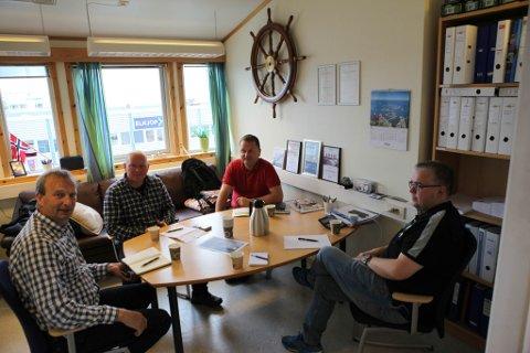 Måndag var det møte for å få logistikken til å gå opp. Frå høgre: Paal Skorpen, Knut Magne Nesse, Jan Henrik Nygård og Gustav Johan Nydal