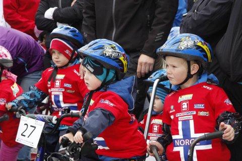 Dei yngste var djupt konsentrerte før start i Førde i 2011.