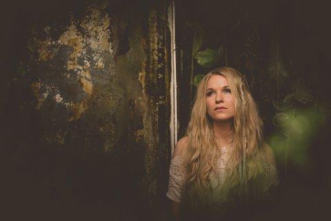 - Eg har alltid følt meg utanfor, fortel Sol Heilo i dette intervjuet. Foto: Anne-Marte Før