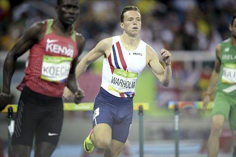 IMPONERTE: Karsten Warholm imponerte i Rio OL i fjor sommar. Laurdag  sesongopnar han i Florø.