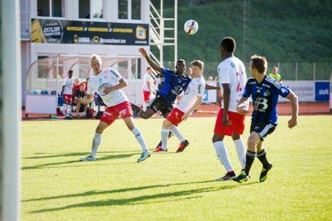 SKAM: Sist Fredrikstad var på besøk i Florø var det show med Rashad Muhammed og Endre Kupen. Fredrikstad blei sende heim i skam. Neste år kjem dei tilbake.