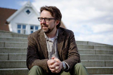 PROTEST: - Framstegspartiet er min hovudfiende, difor kan eg ikkje stemme Venstre i år, seier Ronny Cassells som sit i styret til Flora Venstre.