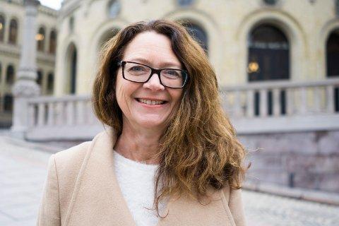 Ingrid Heggø (Ap) tek konsesjonsvilkåra ved Fjord Base opp i Stortingets spørjetime i dag.