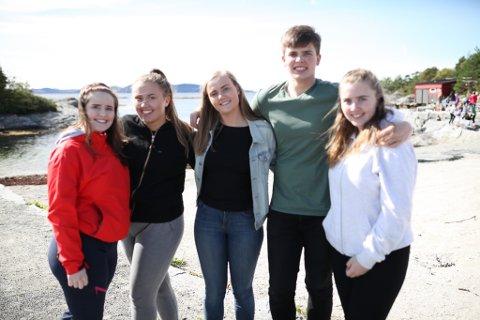 ENGASJERT: F.v. Johanne Malene Grønnevik, Elise Refvik Kvellestad, Annelin Værøy, Viljar Ødelien og Ingeborg Vik er alle klare til å gå i gang med å finne løysingar på miljøutfordringane vi slit med på kysten.