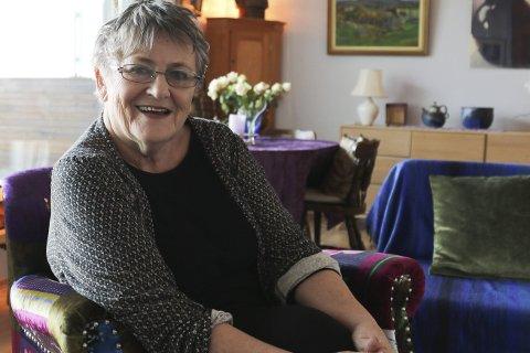 1 BYPORTEN: Grete Belinda Solberg Barton heime i leilegheiten i Byporten, i desember 2017. Foto: Linda Regina Bruvik