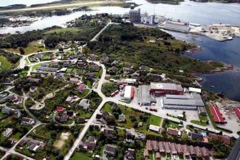 Sør i Havreneset sett frå nord. Gunhildvågen, Klubbevika, Industrivegen Mikke Musen. Flyfoto av Dag Nesbø Frøyen