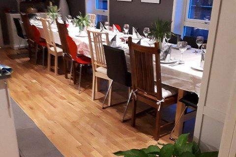 Bordet er dekket for julefest på Krisesenteret