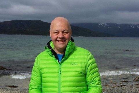 Fredrik Egeberg, Kinn kommune-skeptikar frå Måløy.