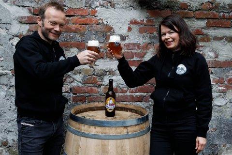 SPENTE: Espen Lothe og Ann-Margritt Banne gler seg over å være i helgas kåring av årets øl i Stavanger.
