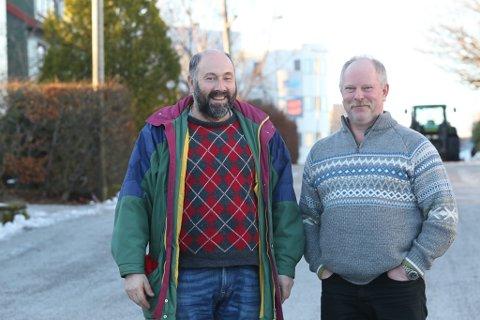 Jan Arve Midtbø og Jarle Oddgeir Solheim- lokallagsleiar i Senterpartiet i Flora.