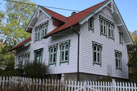Sveitserhus, Botnavegen, Havikbotn