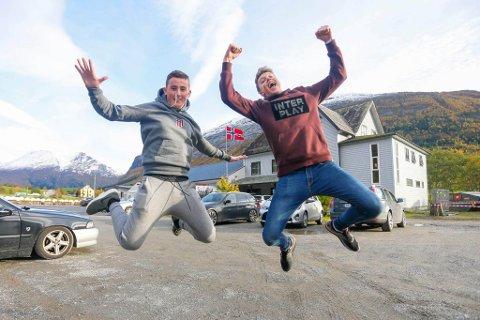 FORTNITE-KONGANE: Henrik Halvorsen og Henrik Rognaldsen frå Esport-laget «Double Trouble» knuste samtlege andre lag under årets Fortnite-turnering under bLAN i Breimshallen.
