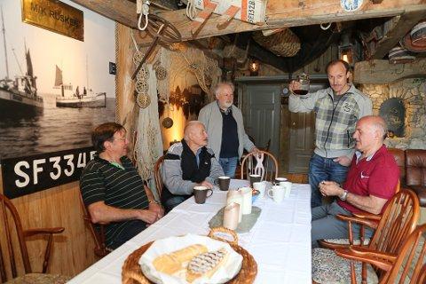 FISKARSOGENEMNDA: Ola Martin Grotle, Anton Senneset, fofattar Magnus Helge Torvanger, Kurt Hauge og Jan Torvanger.
