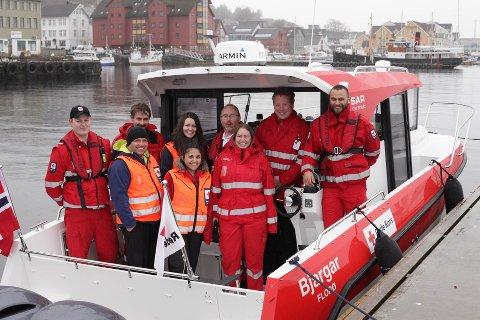 SKAL ØVE: Denne gjengen frå Røde Kors blir ikkje aleine når det blir storøving på Florevika søndag.