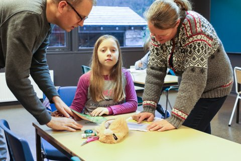 LÆRARTETTLEIK: Ingrid Bjørneng Strømsnes (9) har lærarar som har tid til å hjelpe ho tilgjengeleg heile skuledagen.