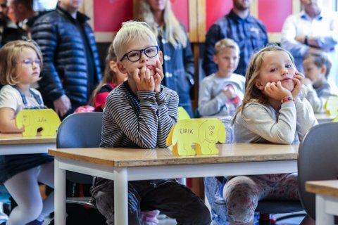 LEKSEFRI: Elevane ved Florø barneskole skal prøve ut leksefri skule frå 14. januar til 8. februar.