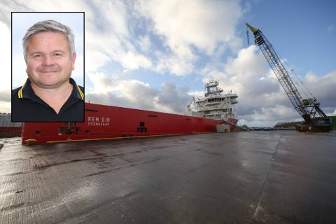 Forsyningsskipet Rem Eir er kalla opp etter ein av Odins valkyrier. 15. november blei det kopla til landstraum ved Fjord Base som det første skipet på ein av Statoils baser. Innfelt: Viseadministrerande direktør Stig Førde i Fjord Base AS.