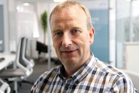 NY LEIAR: Gustav Johan Nydal vart vald til ny leiar i Flora Industri og næringsforening etter Bjørn Hollevik som har styrt foreninga sidan 2006.