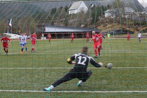 Anders Midthjell sette inns traffe for Bremanger og berga eit poeng.