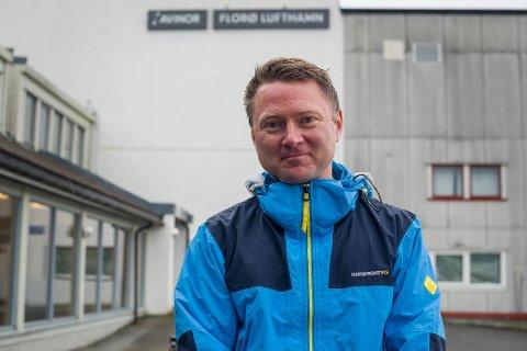 LOGISK: - Det vil bli betre rutetilbod på Florø Lufthamn om vi kjem inn på FOT-rutene, ikkje dårlegare. Det visar ruteproduksjonen i dag og det FOT-legg opp til, seier Kim Gunnar Jensen.