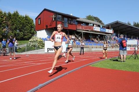 Florø Friidrettsfestival 2018. Karoline Berkeli Grøvdal knuste ein Grete Waitz-rekord på 2000 meter.