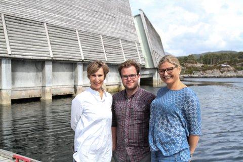 Frå venstre dagleg leiar Berit Høivik, sommarguide Iver Bakke Nydal og formidlingsleiar Jorunn Bjerk.