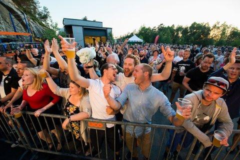 FEST: Tidenes første Kinnfest vart ein stor suksess.