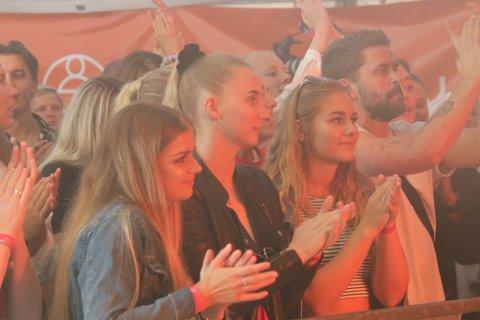 OPNAR FESTIVALEN: Årets utgåve av Våt Moro-festivalen opnast torsdag kveld, med foredrag frå enduro- og kjendisreality-meister Pål Anders Ullevålseter og sanger og båtrace-førar, Marit Strømøy.