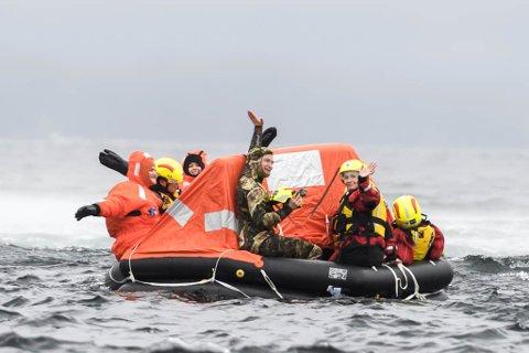 HJELPEKORPSET: I tre år har Elin vore medlem av hjelpekorpset. Her frå øving med redningshelikopteret før sommaren i år.