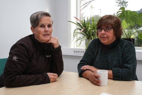 Bente Nygård og Eva Jensen ryddar ut etter 25 års mottaksdrift på Solbakken Asylmottak. Det er ei oppgåve som syg energien ut av dei.