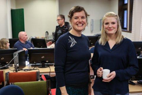 TURISMESATSING: Hamnesjef Linda Midtbø og Siri Odijk Solbakken i Visit Fjordkysten under møtet med lokale reiselivsaktørar.