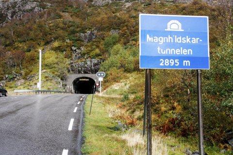 Magnhildskaret, Grytadalen, tunnel, veg, samferdsle