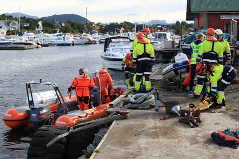 ØVING: Frå øvinga i september 2015 i Gunhildvågen, der både brann, ambulanse, politi, sivilforsvar og Røde Kors var involvert.
