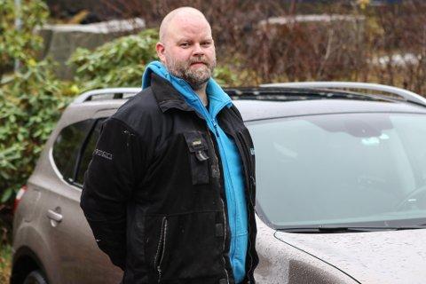 SPARTE TUSENLAPPAR: Tor Erik Mundal (37) sparte 40.000 kroner ved ikkje å akseptere det første og beste tilbodet på reparasjon av Nissan Quashqaien sin.