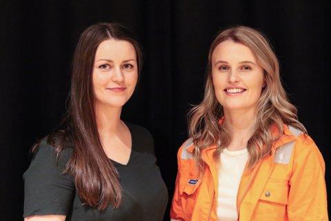 I MANNSDOMINERTE YRKE: Ellinora Høyvik Grimelid (25) og Marie Stensvoll (26, i oransje jakke) er begge ingeniørar ved Westcon Yards Florø. Torsdag stod dei på stand i Flora samfunnshus for å inspirere jenten i niande klassane ved Florø ungdomsskule til å tenke realfag.