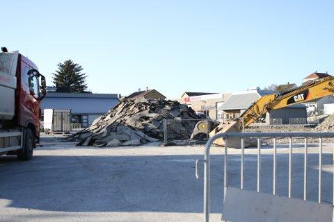 I GANG: Trygve Ullaland AS er i gang med bygginga av Coop-butikken på Evja.