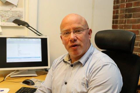 REAGERER: Kommunalsjef Rolf Bjarne Sund streker under at bruk av kommunale idrettsanlegg, sjølv om ein har nøkkel, ikkje er lov no under korona-stenginga.
