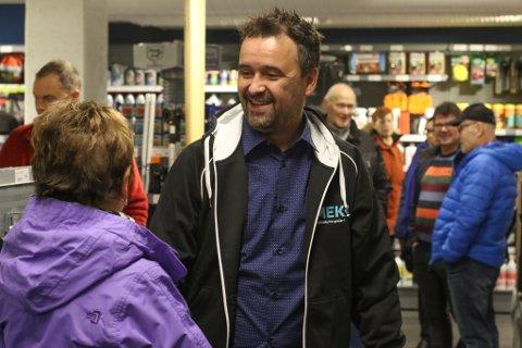 BERG- OG DALBANE: Bjørn Ingulf Slettevold og Mekk-butikken på Amfi har opplevd alt frå storsal til varemangel i eit turbulent oppstartsår. Her frå opninga av butikken.