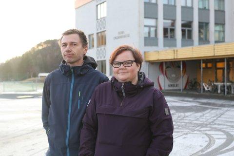 KUTT: Ove Henning Smelvær og Therese Frammarsvik i FAU ved Florø ungdomsskule er provoserte over at eit vedteke prosjekt blir fjerna med eit pennestrok.