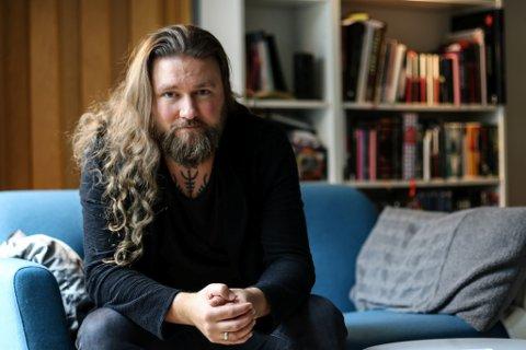 FLYTTAR: Thomas Øvstedal er i dag inspektør ved Svelgen skule. I mars tek han til i ny jobb ved Halbrend skule i Førde.