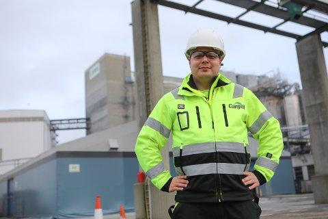 HOVUDJEGER: Dei neste vekene skal Ewos Florø-sjef Tor-Erik Røynesdal jakte på til saman 25 nye tilsette til fabrikken i Gunhildvågen.