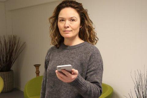 SLITSOMT: – Eg er ganske fortvila, og synest det er ekkelt, seier Trude Sørbø Vee etter at svindlarar misbrukte nummeret hennar.