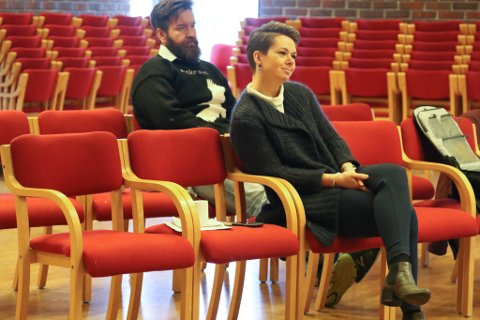 PÅ SIDELINJA: Kristin Maurstad på tilhøyrarbenken, mens Fellesnemnda diskuterte hennar habilitet og rolle som leiar og jobbsøkar.