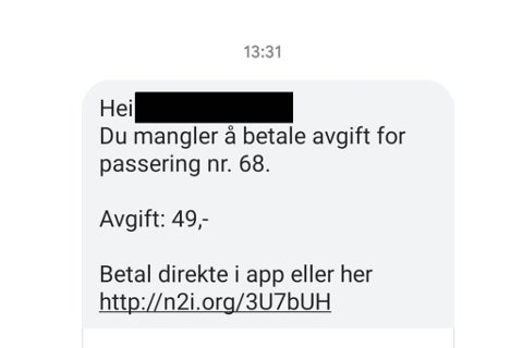 OPPMODAR TIL SLETTING: Ein av journalistane i Firdaposten mottok denne tekstmeldinga i dag.