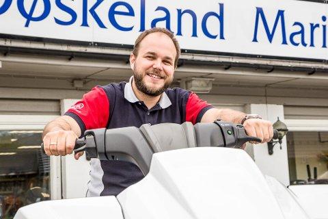 Døskeland Marine AS sel godt. Butikksjef Andreas Erdal.